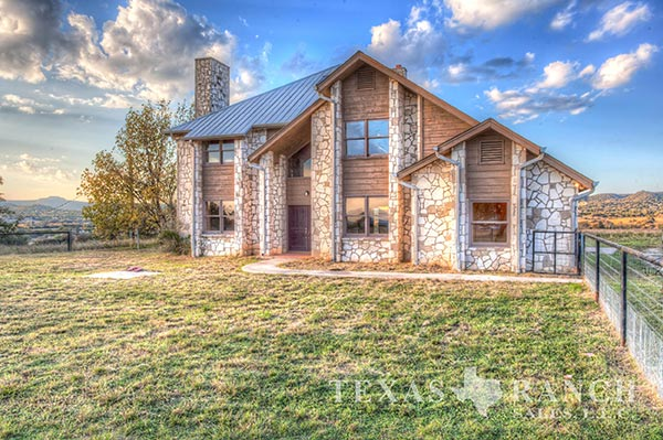 Texas hill country ranches texas hill country hunting for Texas hill country houses for sale